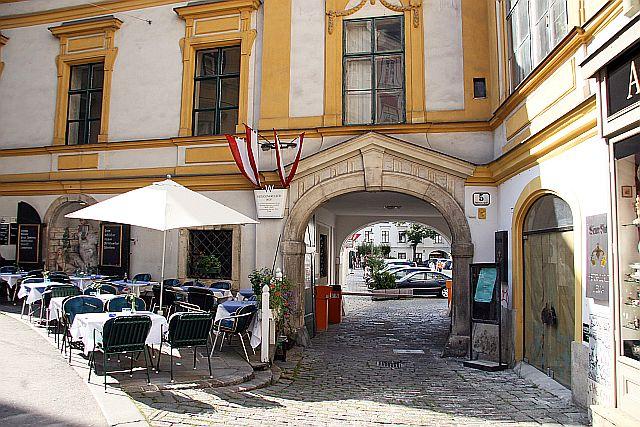 Heiligenkreuzerhof